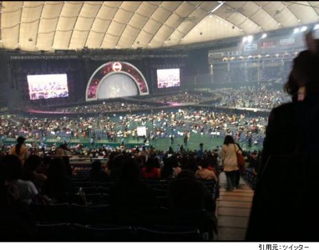 東京ドーム座席見え方1階席ステージ正面近く最後列からの眺め