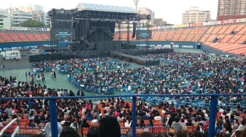横浜スタジアム座席表スタンド見え方