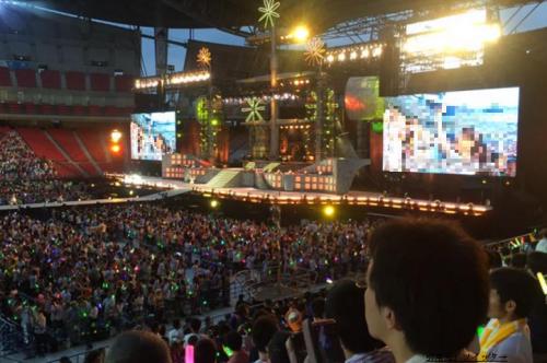 豊田スタジアムスタンド1階席ステージ近く見え方